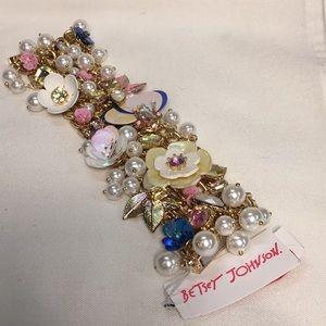 NWT Betsey Johnson Flower and Pearl Bracelet